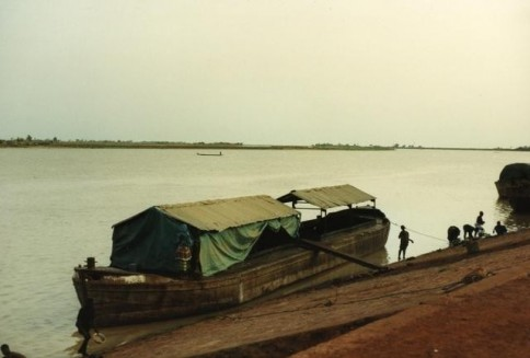 African Boat327