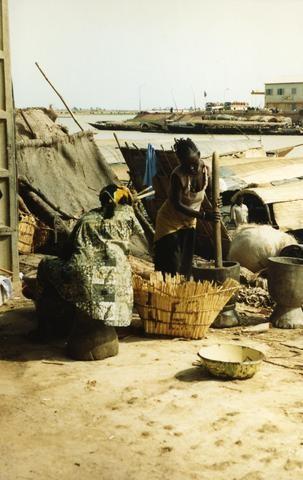 African Women480