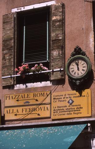 Florence Window480
