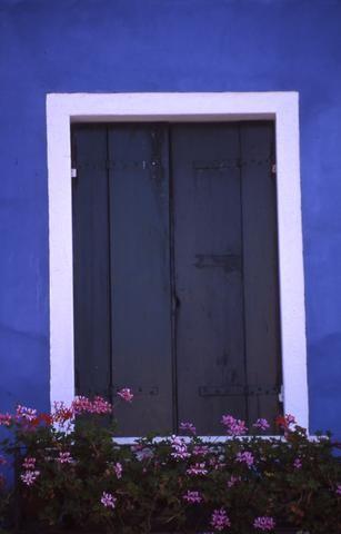 Italian blue door_tif480